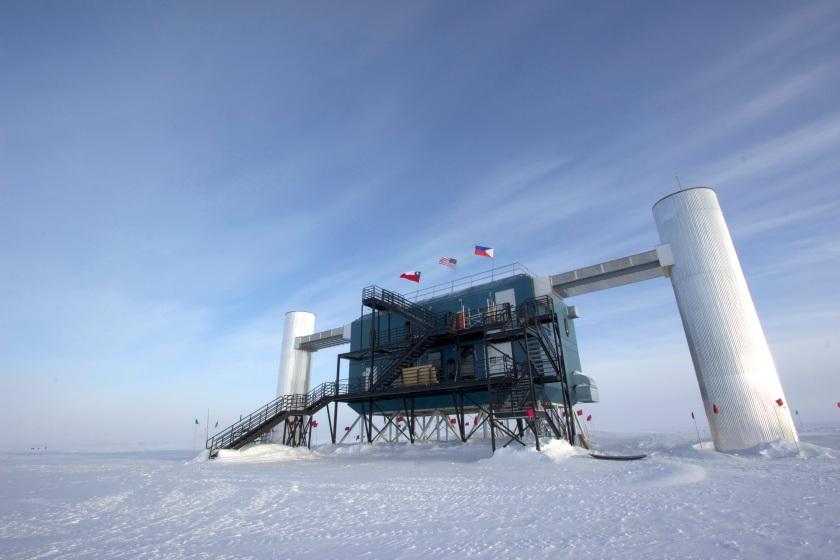 IceCube, el mayor telescopio del mundo / IceCube